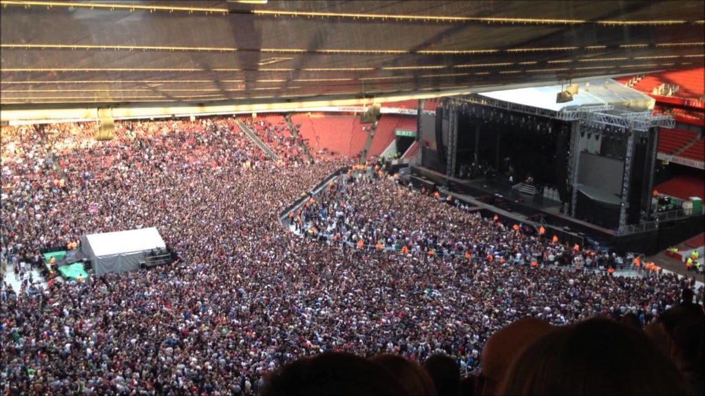 Articel - Big Crowd