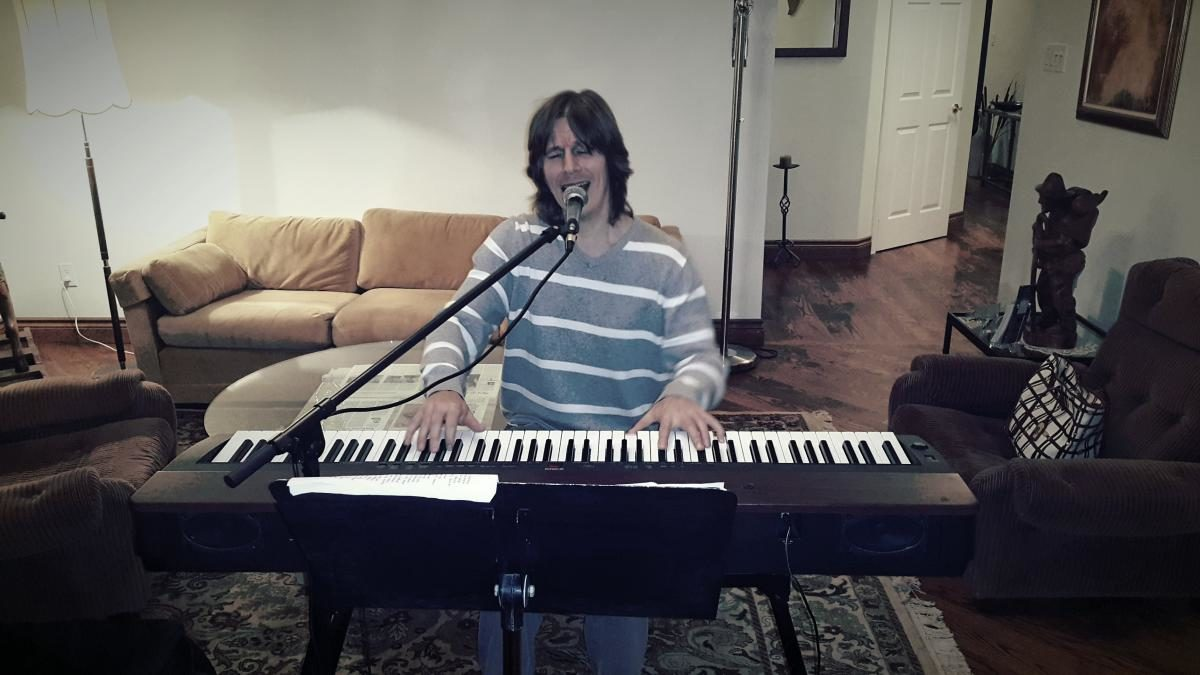 Timothy B - Singing While Playing Piano - Presenting his Voice.
